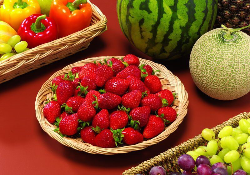 Как правильно называть арбуз - ягодой или фруктом