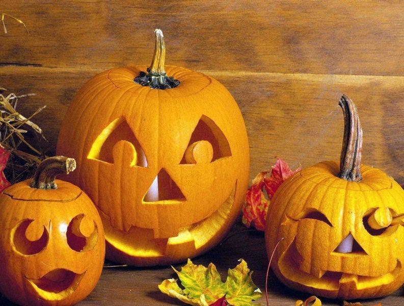 Вырезать тыкву на Хэллоуин