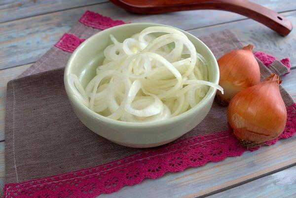Маринованный лук: рецепты лучших заготовок