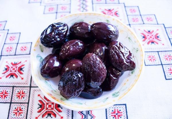 Маринованные сливы: 5 вкуснейших рецептов