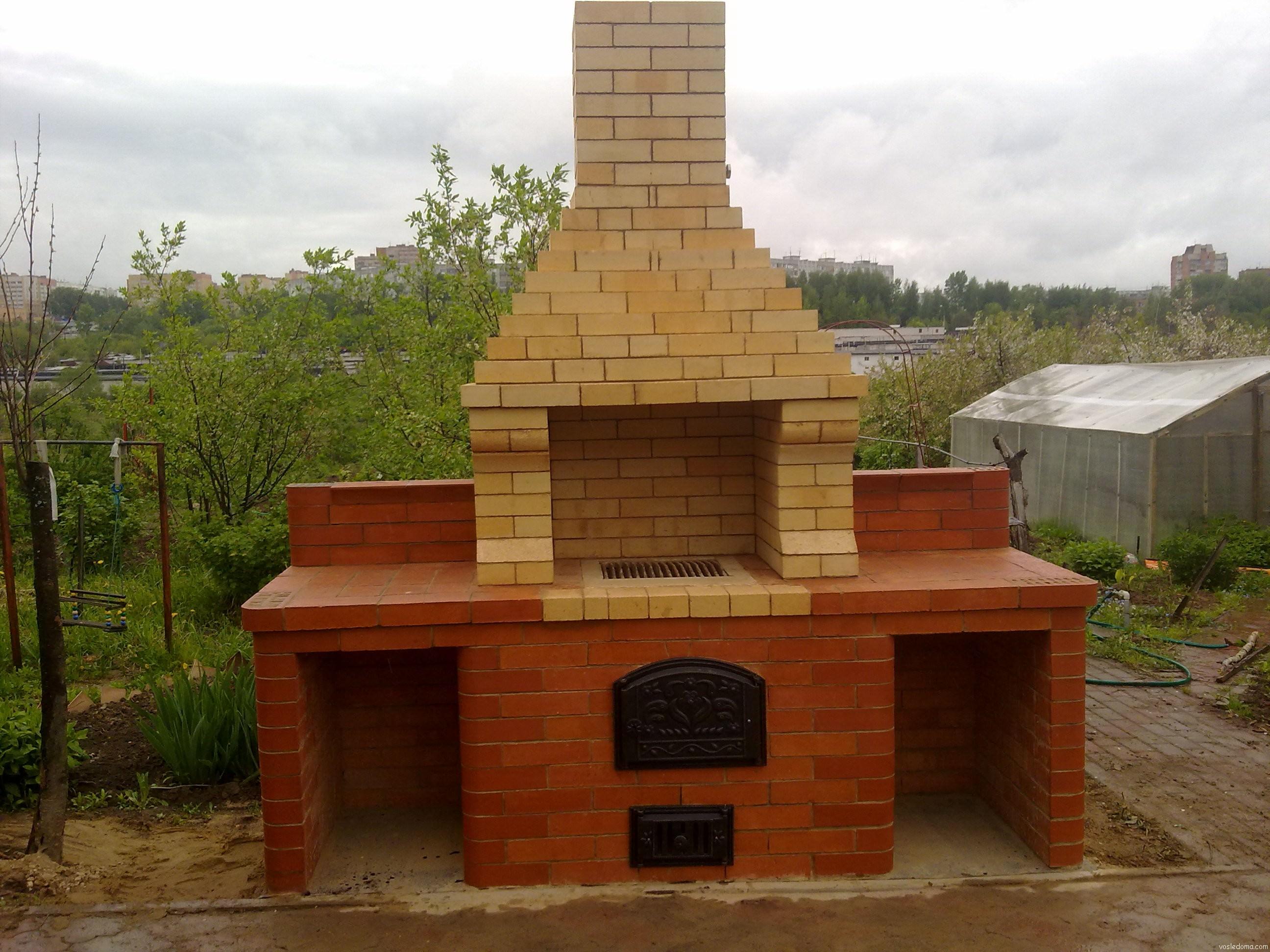Как построить кирпичный мангал на даче своими руками