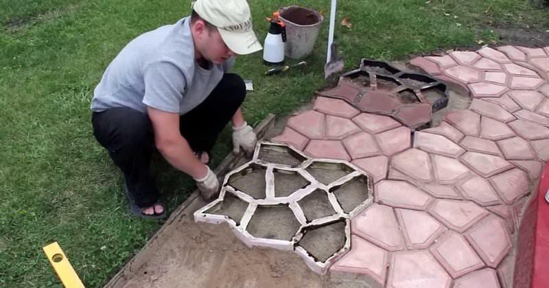 Тротуарная плитка своими руками из подручных материалов